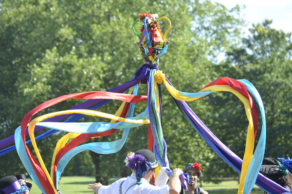 Maypole at Olympic Park (by Quentin Fletcher)